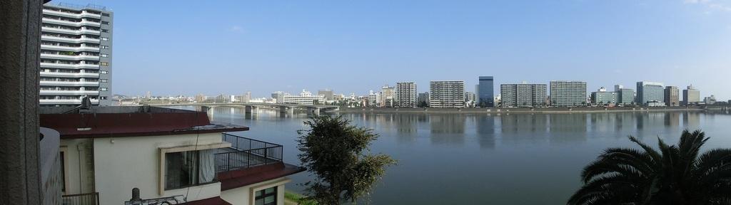 バルコニーからの大淀川眺望